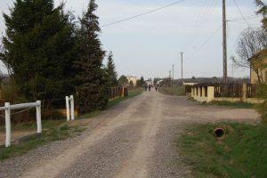 Kapkazy-w-stron-drogi-powiatowej
